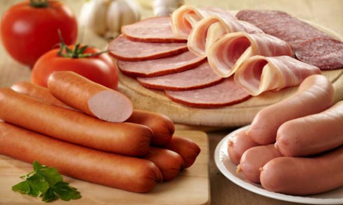 Nếu ăn thịt xông khói trước khi đi ngủ, bạn sẽ không thoải mái và không thể ngủ được.
