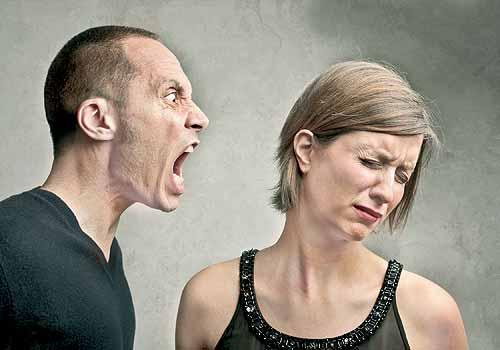 Đã là vợ chồng, là cặp bạn đồng hành cùng nhau đến cuối con đường, hà cớ gì lại mạt sát nhau lúc giận dữ?