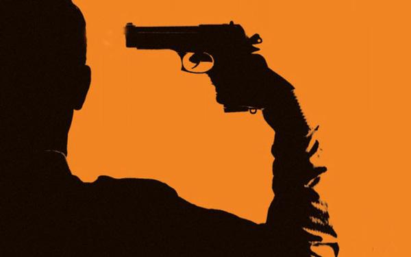 Tự sướng với vũ khí, súng đạn cực kỳ nguy hiểm, không nên thử dù chỉ một lần.