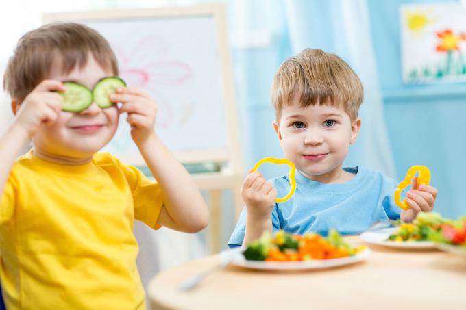 Không phải bất cứ trẻ nào ăn tốt là đều bụ bẫm, đạt cân nặng chuẩn.
