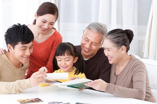 Vợ hiếu thuận, biết ứng xử cân bằng quan hệ gia đình hai bên sẽ giúp chồng yên tâmlo sự nghiệp.