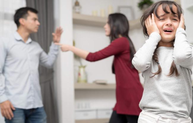 Cãi vã đầu năm khiến cho gia đình bất hòa, mang đến điềm xui