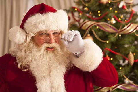 Ông già Noel mang những món quà mơ ước đến cho trẻ em khắp nơi trên thế giới.