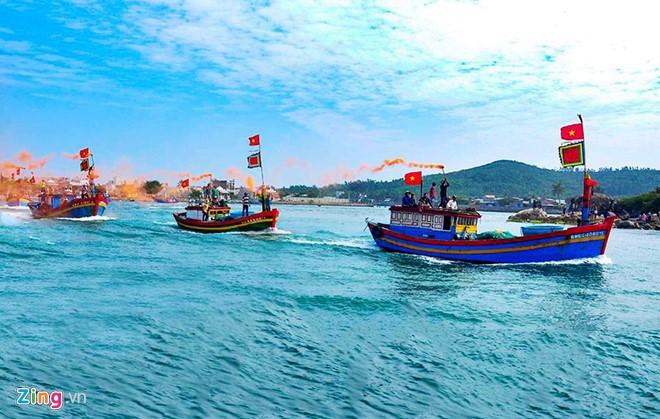 Chuyến ra khơinô nức, tràn đầy hứng khởi trong những ngàyđầu năm mới của ngư dân.