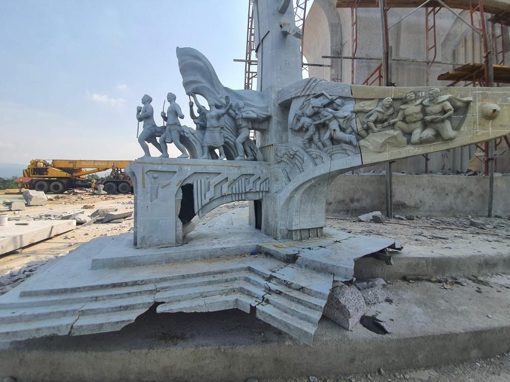 Công trình này do UBND huyện Phước Sơn thực hiện, dự toán ban đầu khoảng 14 tỷ đồng, kinh phí lấy từ ngân sách địa phương.
