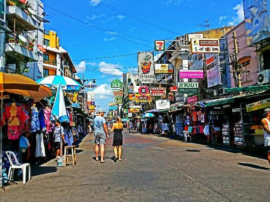 Con phốdu lịch Khao San nổi tiếng bậc nhất Bangkok, Thái Lan. Ảnh minh họa