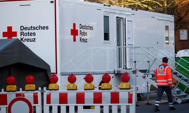 Cơ sở xét nghiệm COVID-19 lưu động tại Heinsberg, Đức. Ảnh:AP