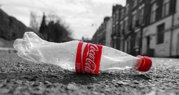 Các loại đồ uống có ga gần như không có tác dụng trong việc bổ sung lượng nước cho cơ thể. Ảnh minh họa