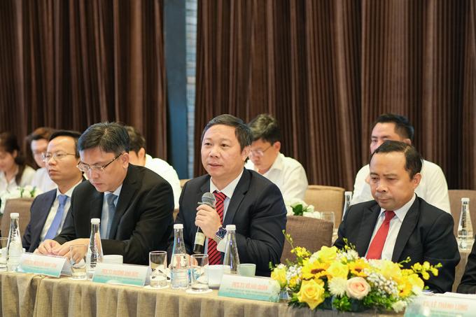 PGS.TS Dương Anh Đức – Thành Ủy viên, Phó Chủ tịch UBND TP.HCM chúc mừng sựhợp tác giữa Tập đoàn Hưng Thịnh và ĐHQGTP.HCM.