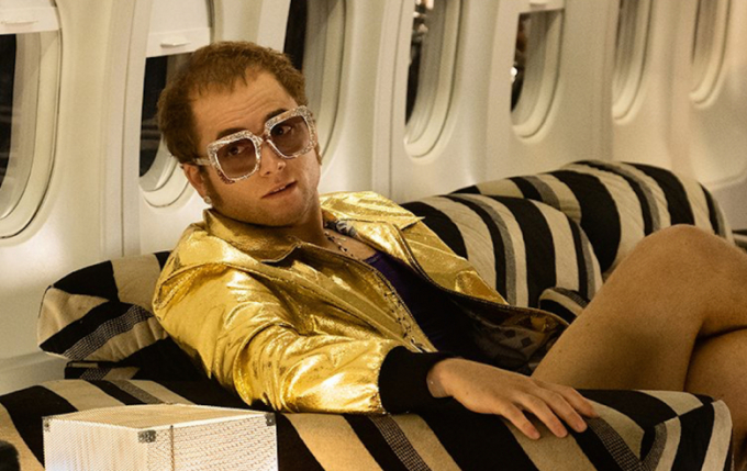 Taron Egertonvới vai diễn Elton John trongRocketman