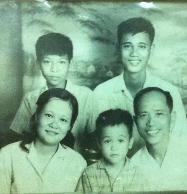 Một bức ảnh gia đình NGND Lê Hải Châu năm 1977