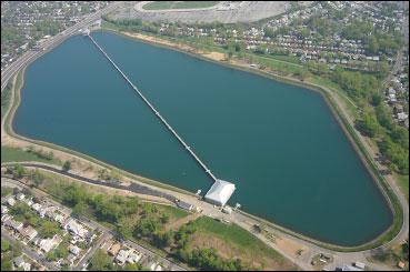 Hillview Reservoir, nơi chứa nước của New York