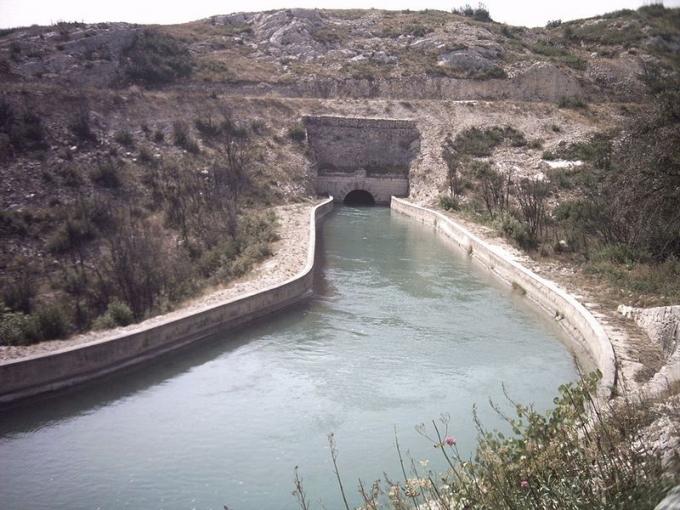 Một đập nước ở Pháp