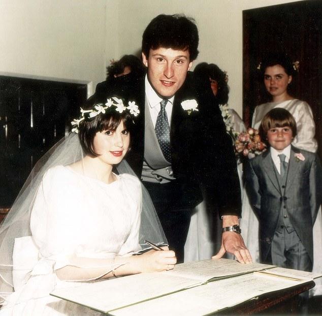 Nicola Horlick trong đám cưới với người chồng đầu tiên