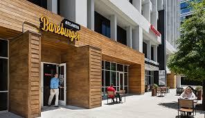 Chuỗi nhà hàng bán burger hữu cơ Bareburger đang tìm cách thoát khỏi việc phụ thuộc vào các ứng dụng giao đồ ăn từ bên thứ 3