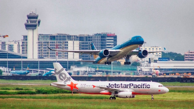 Các hãng khuyến nghị hành khách cập nhật tin tức các chuyến bay thường xuyên