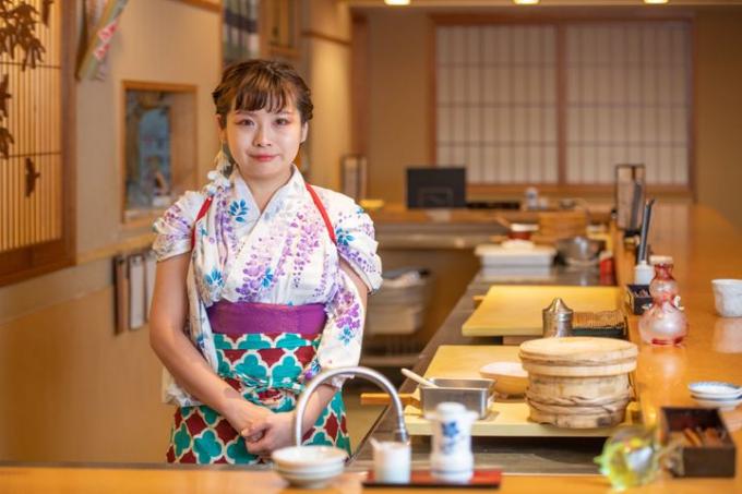 Yuki Chizui, nữ đầu bếp sushi trong nhà hàng toàn nữ ở Nhật Bản