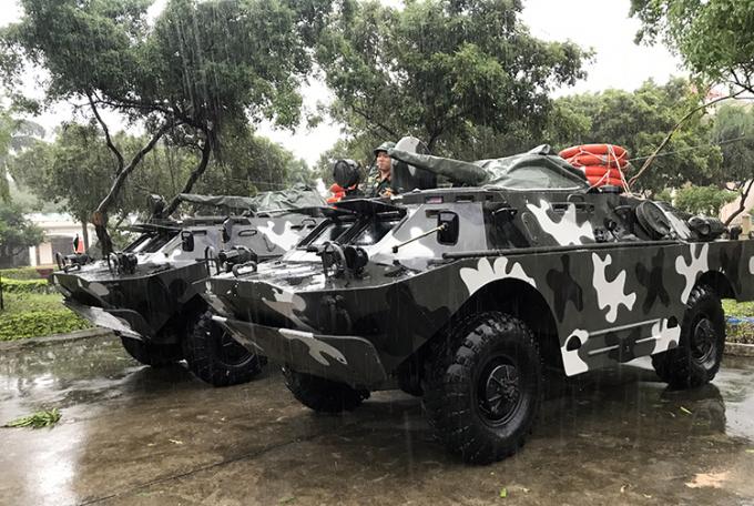 10 xe bọc thép BRDM - 2 được chia ra nhiều địa phương từ Quảng Ngãi đến Khánh Hoà, sẵn sàng chờ lệnh ứng cứu khi có tình huống xấu./ Ảnh: Tiền Phong