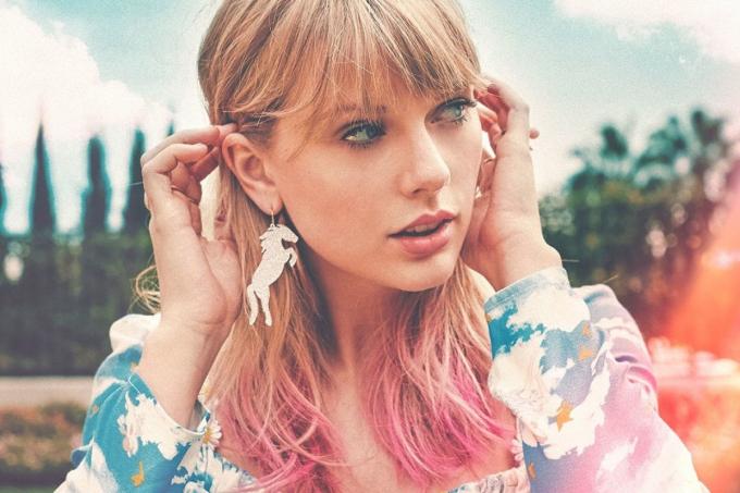 Lover của Taylor Swift được đề cử Ca khúc của năm