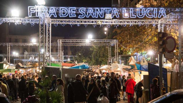Những chợ Giáng Sinh nổi tiếng nhất thế giới