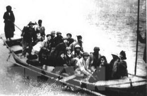 Đêm 17, rạng sáng 18/2/1947, lực lượng của Trung đoàn Thủ đô chia thành từng đơn vị nhỏ cùng nhân dân Liên khu phố I lặng lẽ đi dưới gầm cầu Long Biên, vượt sông Hồng, sông Đuống, bí mật vượt qua vòng vây an toàn lên chiến khu, kết thúc 60 ngày đêm giam chân quân Pháp trong lòng Hà Nội