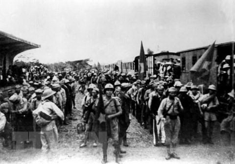 Ngày 26/9/1945, tại ga Hàng Cỏ, đoàn quân Nam tiến đầu tiên rời Hà Nội vào chi viện cho miền Nam, mở đầu cho phong trào Nam tiến, cả nước sát cánh cùng đồng bào Nam bộ và Nam Trung bộ đánh giặc cứu nước.
