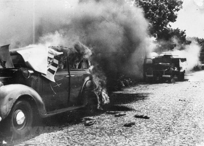 Xe của giặc bị phá hủy tại trận Giòng Dứa (Mỹ Tho)