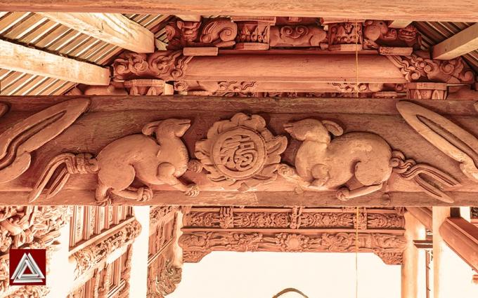 Chạm khắc ở đình Trùng Hạ (Ninh Bình), phong cách nghệ thuật thế kỷ 17/ Ảnh: Hiếu Trần
