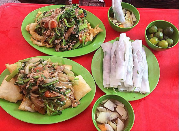 Quanh Trúc Bạch hoá ra là một thiên đường các món ăn chơi có tiếng của Hà Nội