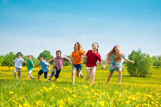 Các nghiên cứu khoa học đã chỉ ra rằng, thiên nhiên xanh có tác động tích cực đến sức khỏe tinh thần và thể chất của trẻ nhỏ.