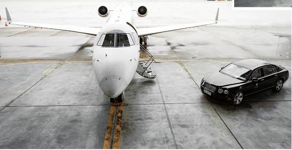 Hiện tại Việt Nam hiện chưa có đơn vị nào triển khai loại hình này. Được biết, Vietstar Airlines đang kết nối với các trung tâm cấp cứu và bệnh viện lớn thuộc mạng bay trong lẫn ngoài nước để triển khai thêm dịch vụ cấp cứu máy bay cho khách hàng. Thời gian để chuyển đổi công năng máy bay từ chuyên chở hành khách sang cứu thương chỉ mất khoảng vài phút.  Cuối tháng 7 vừa qua, Vietstar Airlines đã trở thành hãng hàng không đầu tiên được cấp chứng nhận khai thác tàu bay (Aircraft Operator Certificate - AOC) cho máy bay phản lực thương gia từ Cục Hàng không Việt Nam.