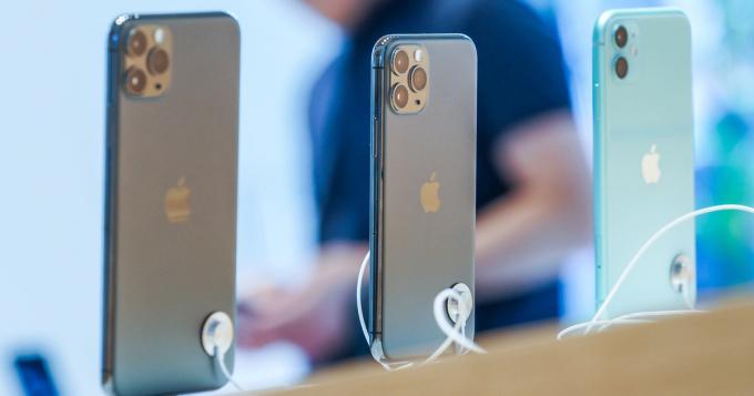 MobiFone tặng 1 GB data và 200 phút thoại nội mạng/tháng cho kháchđặt mua iPhone 11