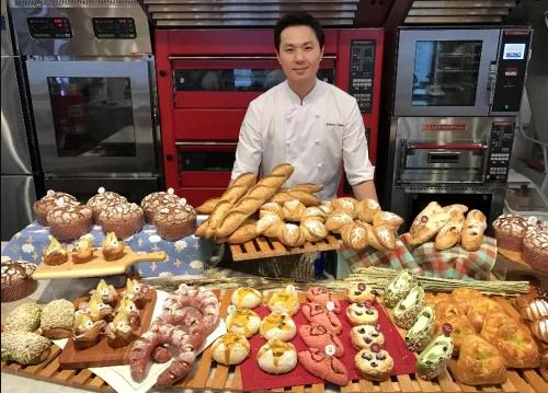 Johnny (Yung-Hsin) Chen - Nhà vô địch cuộc thi Mondial du Pain 2015 sẽ có mặt tại Triển lãm quốc tế thiết bị làm bánh Việt Nam năm nay.