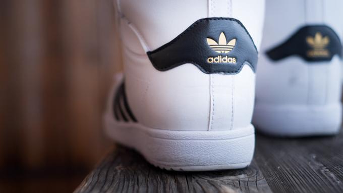 Giải mã các loại logo thường thấy trên giày Adidas