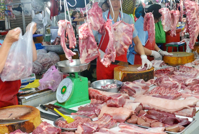 Hiện giá heo hơi đã cán mốc 90.000 đồng/kg, đẩy giá thịt thành phẩm lên cao.