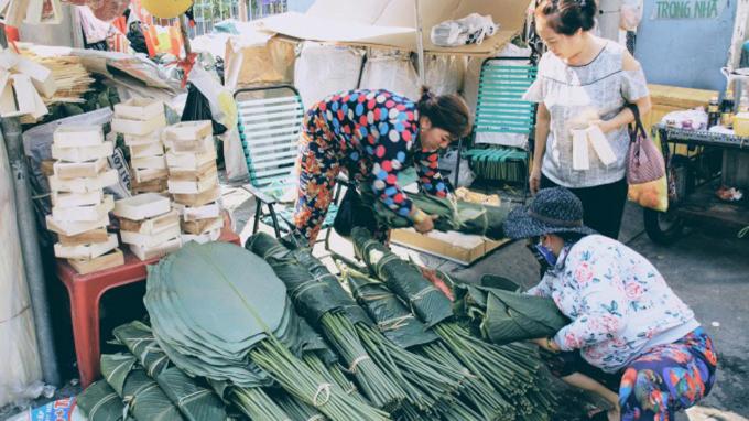 Chợ lá dong hơn 50 năm tuổi ở Sài Gòn đìu hiu vì giá thịt heo tăng cao