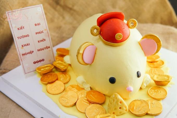 Ngoài bánh hình hũ vàng, bánh hình chuột cũng khá được ưa chuộng.