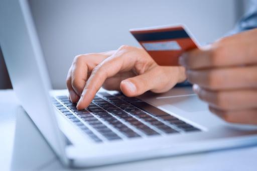 Những ngân hàng nào miễn, giảm phí chuyển tiền liên ngân hàng?