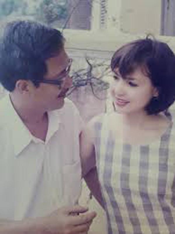 NSND Lan Hươngvà chồng là NSƯT Tất Bình.