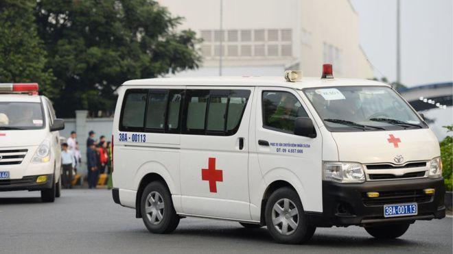 Xe đưa thi thể nạn nhân về quê hương.
