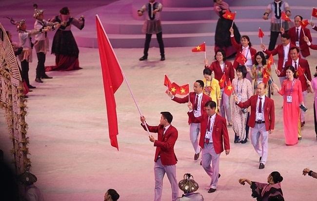 Đoàn thể thao Việt Namvới856 thành viên, góp mặt tại hơn 40 bộ môn; trong đó, kỳ vọng lớn đặt vào những môn thế mạnh như điền kinh, bắn súng, thể dục dụng cụ, đấu kiếm, đua thuyền, bơi, cờ vua, cử tạ