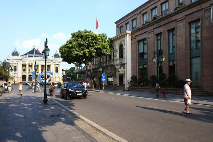 Phố Rue Paul Bert đoạn gần Nhà Hát Lớn.