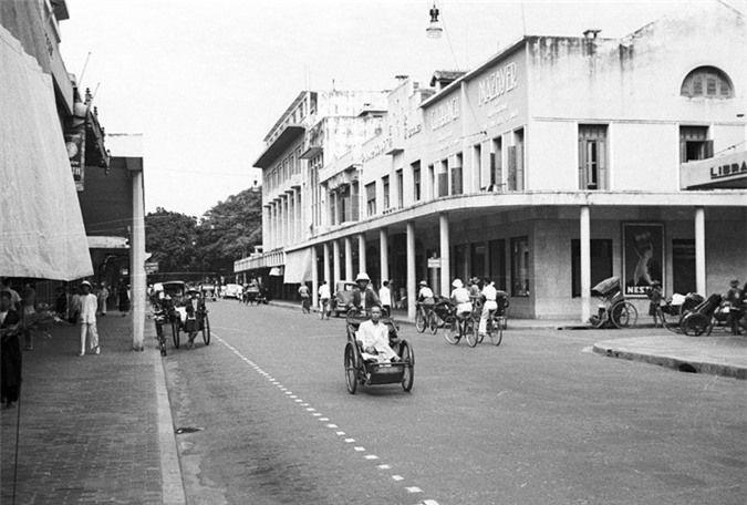 Ngã ba Tràng Tiền - Nguyễn Xí trước đây làngã ba Rue Paul Bert - Boissière.