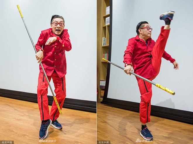 Ở tuổi 60, nam diễn viên vẫn có những động tác dẻo dai như diễn vai Tôn Ngộ Không năm nào.