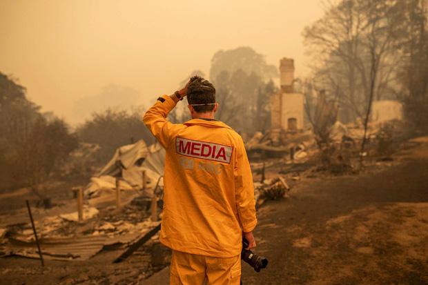 Theo Daily Mail, cháy rừng đã đẩy lính cứu hỏa Úc vào quá giới hạn chịu đựng, chưa biết chừng nào thảm họa mới dừng lại...