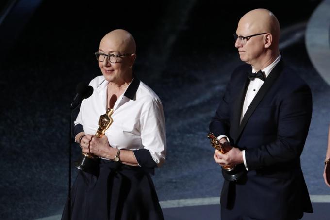 American Factorycủa Julia Rieicher, Steven Bognar thắng hạng mục Phim tài liệu hay nhất