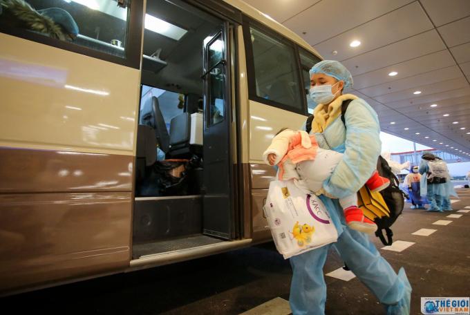 Chuyến bay chở 30 công dân Việt Nam từ Vũ Hán về nước