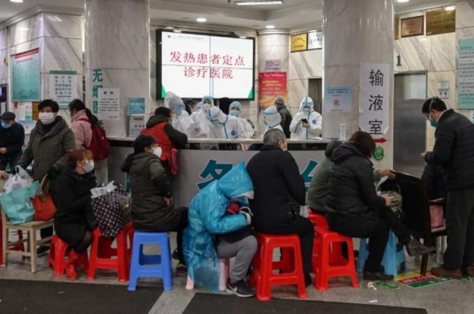 Người dân Vũ Hán rơi vào cảnh tuyệt vọng, phải cầu cứu trên mạng xã hội