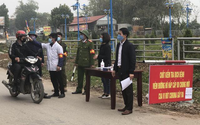 Các chốt kiểm tra giám sát người ra vào tại vùng có dịch sẽ được thay đổi bằngcácchốt ngăn người ra vào xã Sơn Lôi.