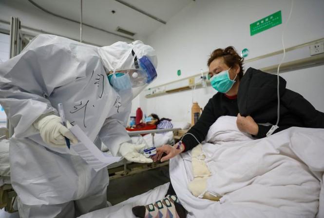 Dịch virus covid-19: Trung Quốc có 105 ca tử vong, giảm nhiều so với các ngày trước
